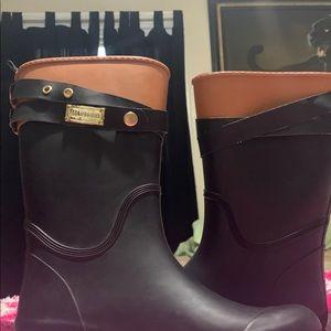 Tommy Hilfiger rain boots.